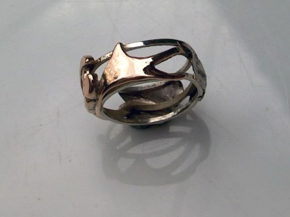 Bride's wedding ring showing Welsh dragon's tail